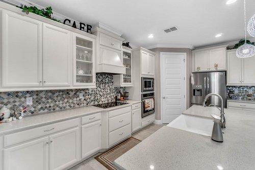 10399-Atwater-Bay-Drive--Winter-Garden--FL-34787----11---Kitchen.jpg