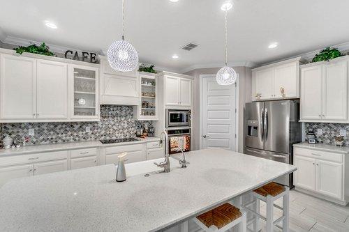 10399-Atwater-Bay-Drive--Winter-Garden--FL-34787----12---Kitchen.jpg