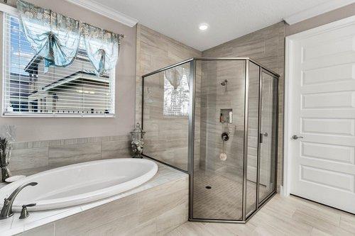 10399-Atwater-Bay-Drive--Winter-Garden--FL-34787----18---Master-Bathroom.jpg