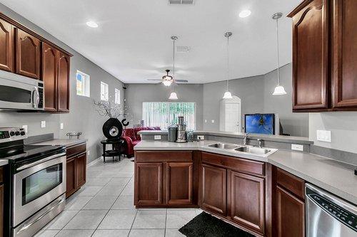 5529-Remsen-Cay-Ln--Windermere--FL-34786-f---10---Kitchen.jpg