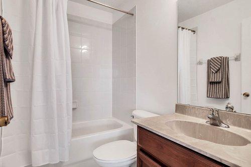 5529-Remsen-Cay-Ln--Windermere--FL-34786-f---17---Master-Bathroom.jpg