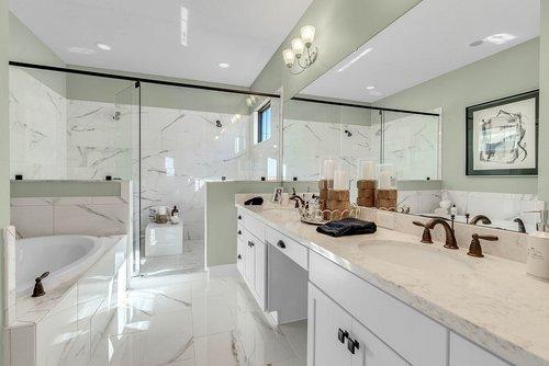 7657-Toscana-Blvd--Orlando--FL-32819----34---Master-Bathroom.jpg