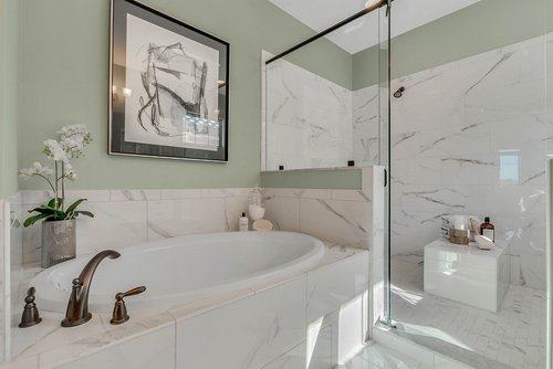 7657-Toscana-Blvd--Orlando--FL-32819----36---Master-Bathroom.jpg