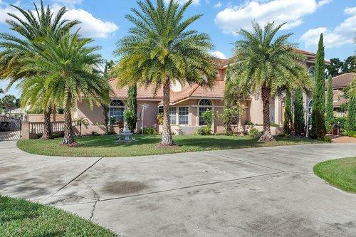 9208-Bay-Hill-Blvd--Orlando--FL-32819----02---Front.jpg