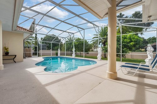 9208-Bay-Hill-Blvd--Orlando--FL-32819----04---Pool.jpg