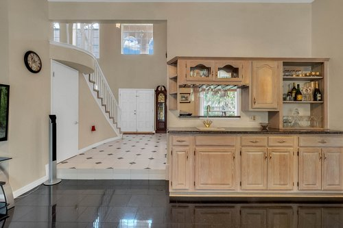 9208-Bay-Hill-Blvd--Orlando--FL-32819----12---Family-Room.jpg