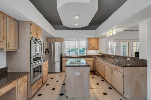 9208-Bay-Hill-Blvd--Orlando--FL-32819----14---Kitchen.jpg