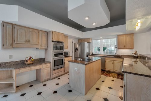9208-Bay-Hill-Blvd--Orlando--FL-32819----15---Kitchen.jpg