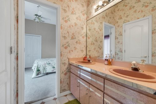 9208-Bay-Hill-Blvd--Orlando--FL-32819----27---Bathroom.jpg