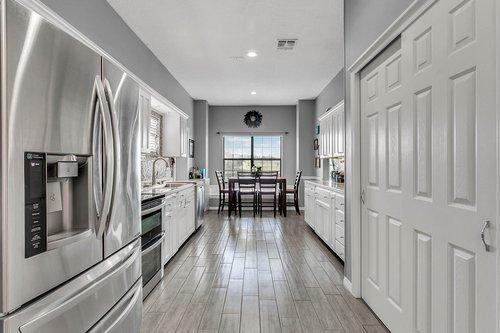 18913-Starcrest-Ln--Clermont--FL-34715----08---Kitchen.jpg