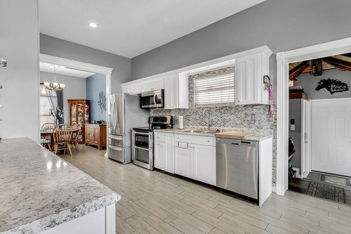 18913-Starcrest-Ln--Clermont--FL-34715----09---Kitchen.jpg