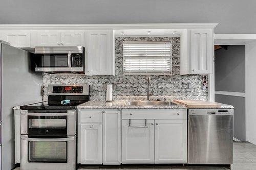 18913-Starcrest-Ln--Clermont--FL-34715----10---Kitchen.jpg