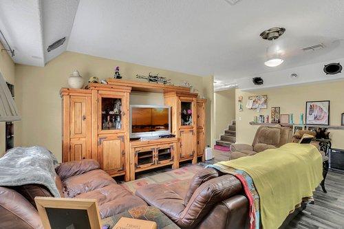 18913-Starcrest-Ln--Clermont--FL-34715----12---Family-Room.jpg