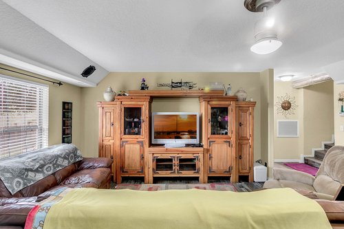 18913-Starcrest-Ln--Clermont--FL-34715----13---Family-Room.jpg