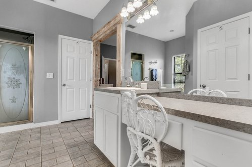 18913-Starcrest-Ln--Clermont--FL-34715----22---Master-Bathroom.jpg