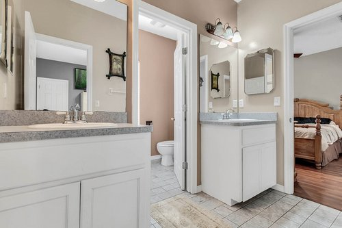 18913-Starcrest-Ln--Clermont--FL-34715----26---Bathroom.jpg