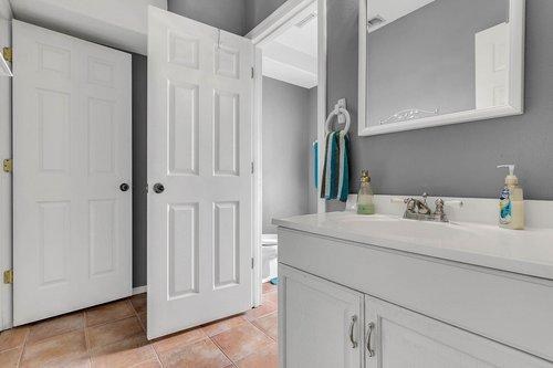 18913-Starcrest-Ln--Clermont--FL-34715----29---Bathroom.jpg