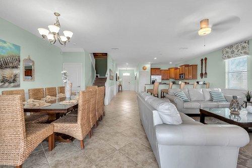 1403-Wexford-Way--Davenport--FL-33896----05---Family-Room.jpg