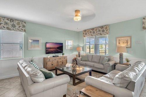 1403-Wexford-Way--Davenport--FL-33896----06---Family-Room.jpg