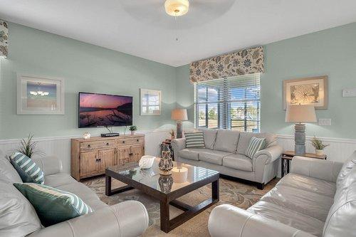 1403-Wexford-Way--Davenport--FL-33896----07---Family-Room.jpg
