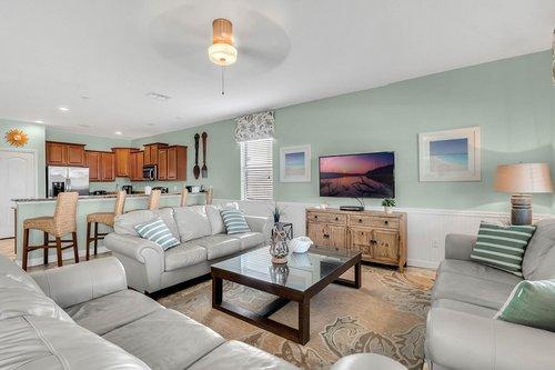 1403-Wexford-Way--Davenport--FL-33896----09---Family-Room.jpg