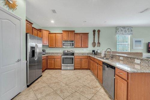 1403-Wexford-Way--Davenport--FL-33896----11---Kitchen.jpg