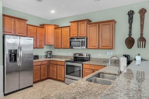 1403-Wexford-Way--Davenport--FL-33896----12---Kitchen.jpg