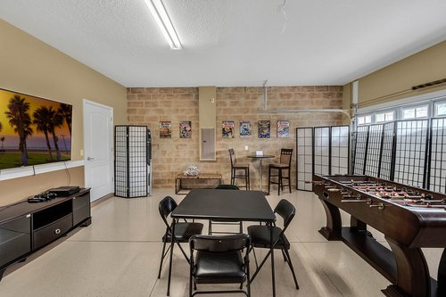 1403-Wexford-Way--Davenport--FL-33896----15---Game-Room.jpg