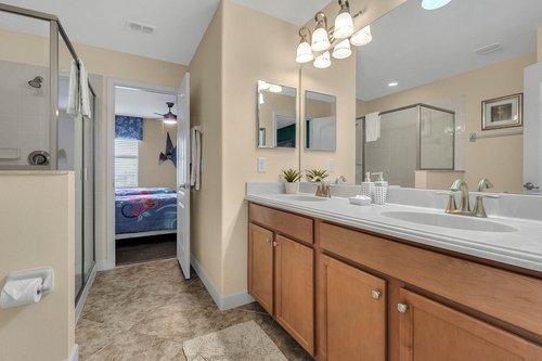 1403-Wexford-Way--Davenport--FL-33896----26---Bathroom.jpg