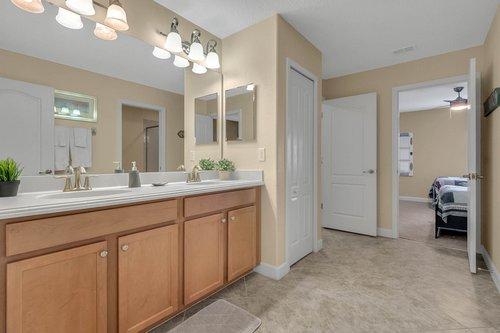 1403-Wexford-Way--Davenport--FL-33896----28---Bathroom.jpg