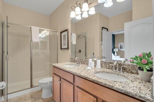 1403-Wexford-Way--Davenport--FL-33896----32---Bathroom.jpg
