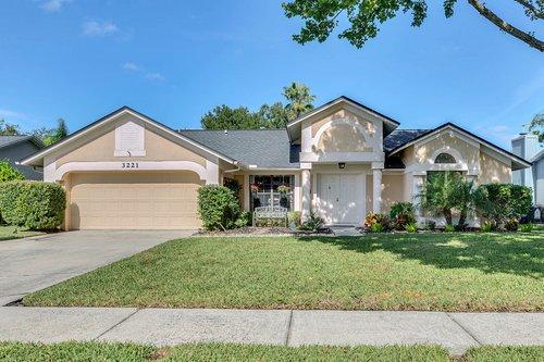 3221-Oakwood-Pl.-Tarpon-Springs--FL-34688--01--Exterior-Front.jpg