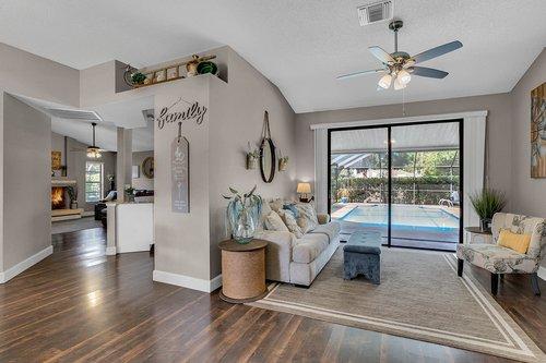 3221-Oakwood-Pl.-Tarpon-Springs--FL-34688--03--Living-Room-1---1.jpg