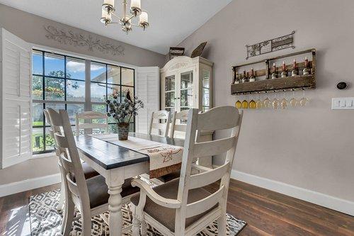 3221-Oakwood-Pl.-Tarpon-Springs--FL-34688--05--Dining-Room.jpg