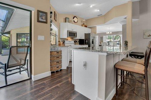 3221-Oakwood-Pl.-Tarpon-Springs--FL-34688--11--Kitchen-1---3.jpg