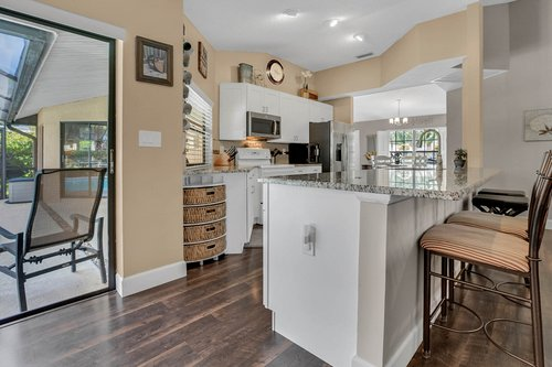 3221-Oakwood-Pl.-Tarpon-Springs--FL-34688--11--Kitchen-1---3.jpg