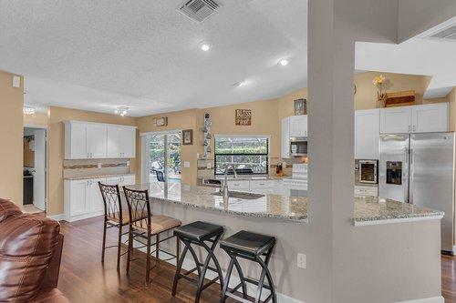 3221-Oakwood-Pl.-Tarpon-Springs--FL-34688--13--Kitchen-1---5.jpg
