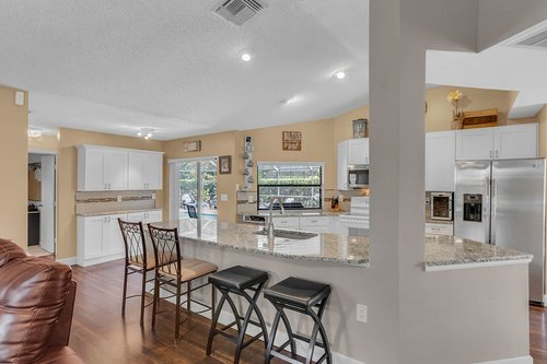 3221-Oakwood-Pl.-Tarpon-Springs--FL-34688--13--Kitchen-1---5.jpg