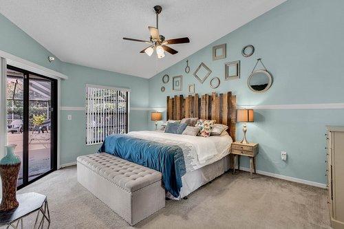 3221-Oakwood-Pl.-Tarpon-Springs--FL-34688--15--Owner-s-Suite-1---1.jpg