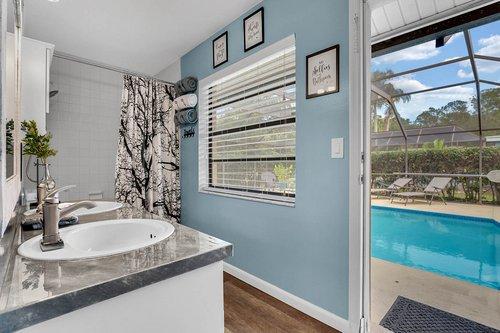3221-Oakwood-Pl.-Tarpon-Springs--FL-34688--24--Pool-Bath-1---1.jpg