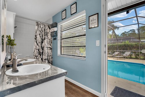 3221-Oakwood-Pl.-Tarpon-Springs--FL-34688--24--Pool-Bath-1---1.jpg