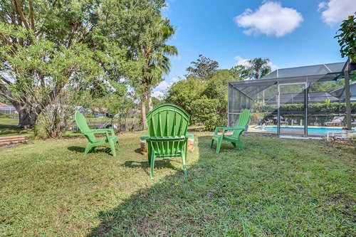 3221-Oakwood-Pl.-Tarpon-Springs--FL-34688--31--Back-Yard.jpg