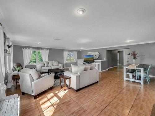 521-Howard-Ave--Altamonte-Springs--FL-32701----04---Family-Room.jpg