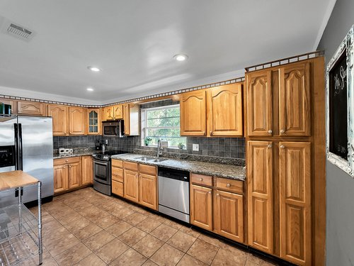 521-Howard-Ave--Altamonte-Springs--FL-32701----10---Kitchen.jpg