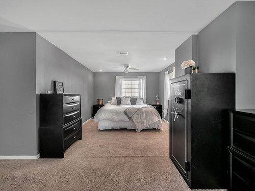 521-Howard-Ave--Altamonte-Springs--FL-32701----14---Master-Bedroom.jpg