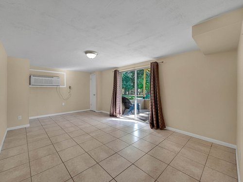 521-Howard-Ave--Altamonte-Springs--FL-32701----25---In-Law-Suite.jpg