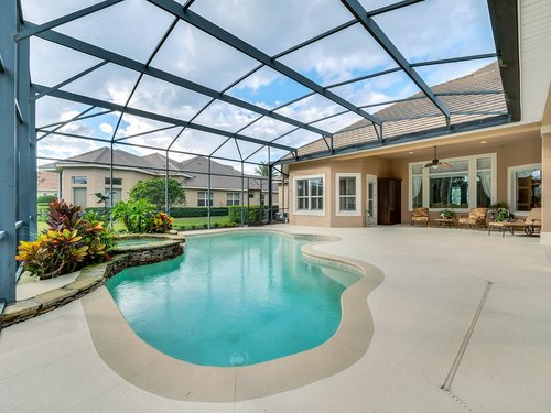 2115-Alaqua-Lakes-Blvd--Longwood--FL-32779----04---Pool.jpg