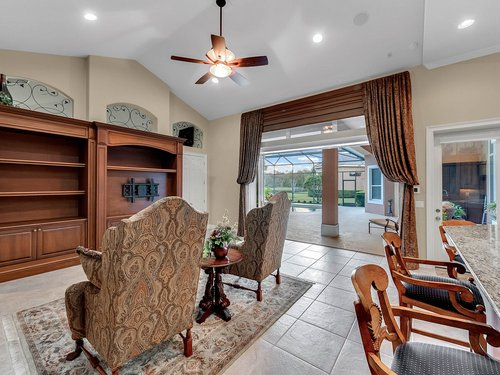 2115-Alaqua-Lakes-Blvd--Longwood--FL-32779----14---Family-Room.jpg