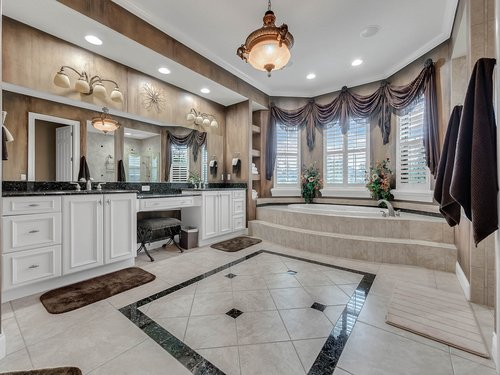 2115-Alaqua-Lakes-Blvd--Longwood--FL-32779----30---Master-Bathroom.jpg