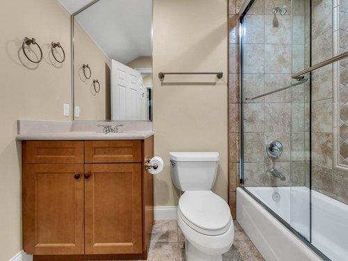 2115-Alaqua-Lakes-Blvd--Longwood--FL-32779----34---Bathroom.jpg